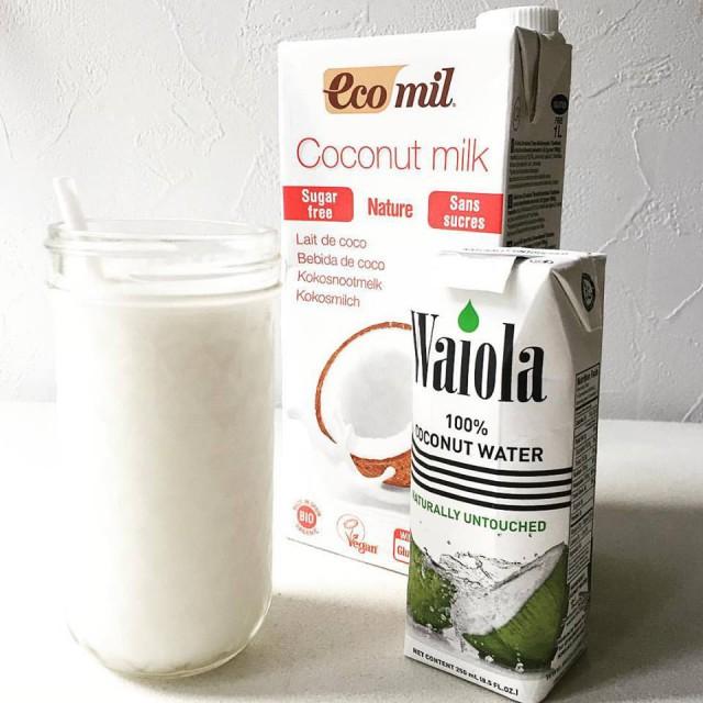 ココナッツミルクドリンクとワイオラ