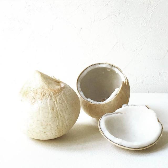タイヤングココナッツを使って本物のココナッツウォーターとココナッツミルク3