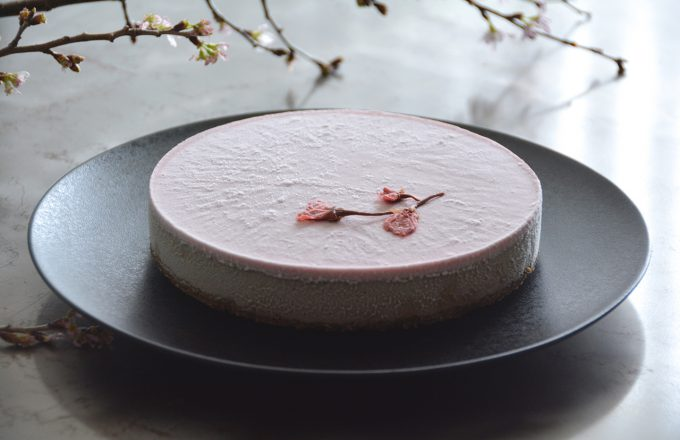 春の新作ローケーキ「ロー・ストロベリーミルク&アールグレイケーキ」が登場です。